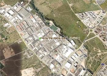 CONJUNTO DE NAVES INDUSTRIALES 1.800 m2 EN POLÍGONO CAN VALERO